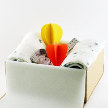 french connect paquet c lin le cadeau de naissance livr domicile. Black Bedroom Furniture Sets. Home Design Ideas